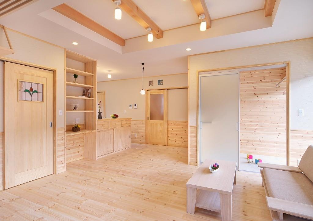 大切なペットの部屋も作った、自然素材で豊かな暮らしの2階建ての家